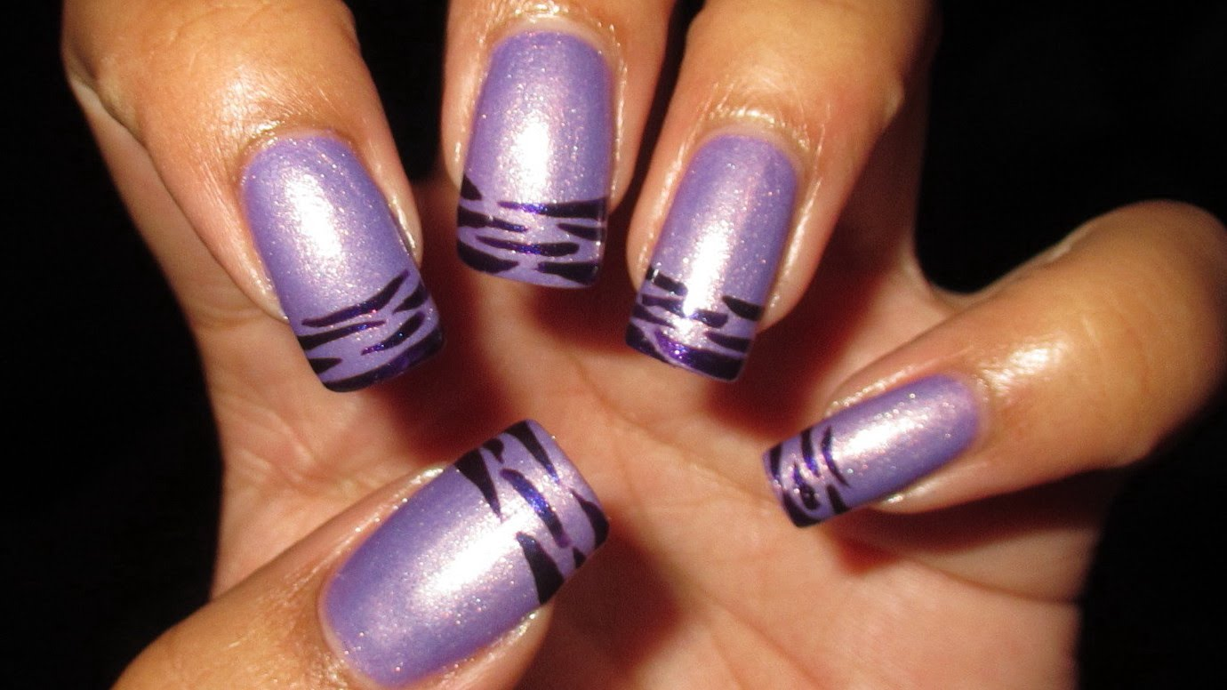 These Purple Striped French Tip Nails Are Hot And Glamorous!