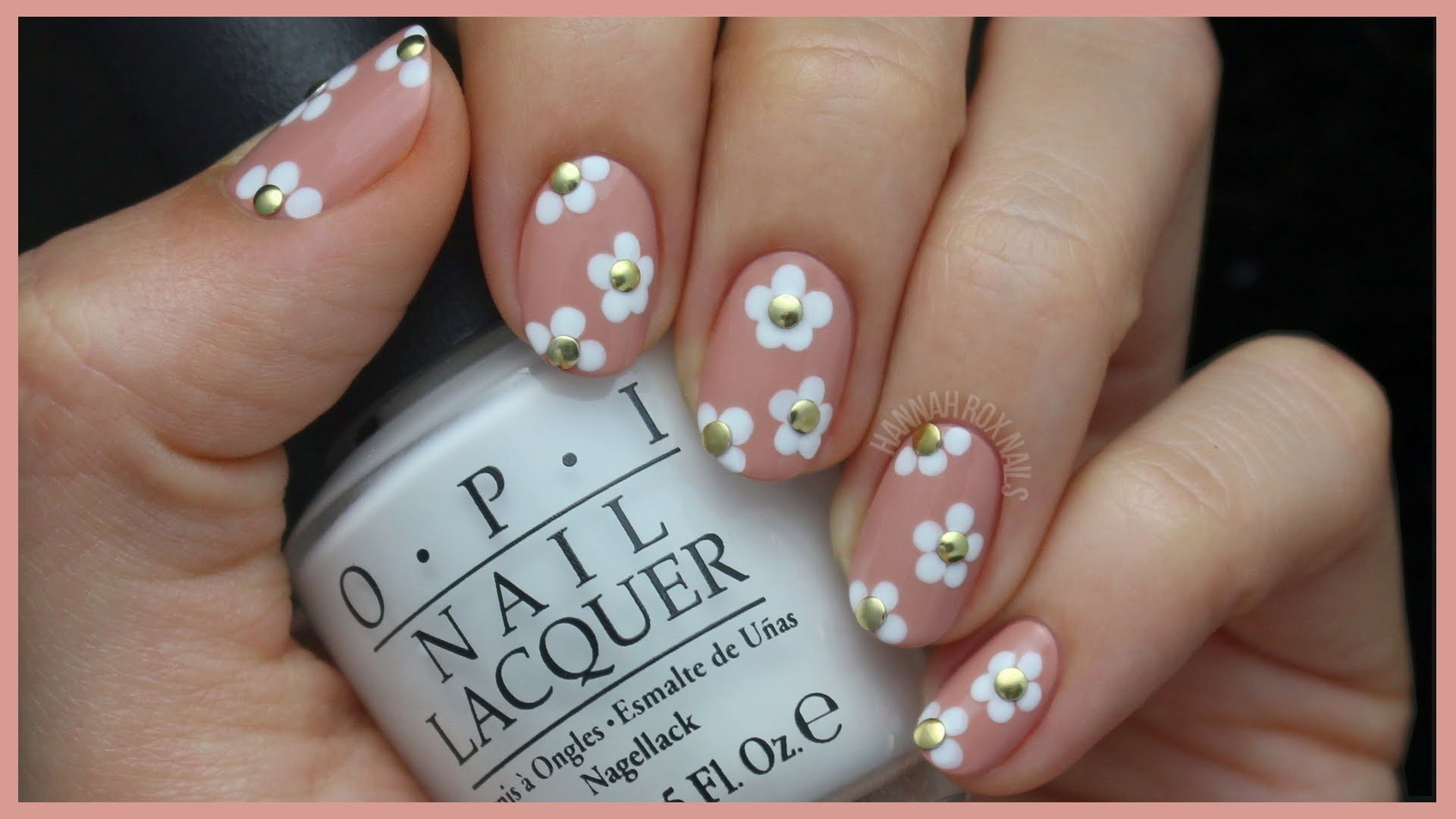 This Cute Studded Daisy Nail Art is Perfect For Spring!
