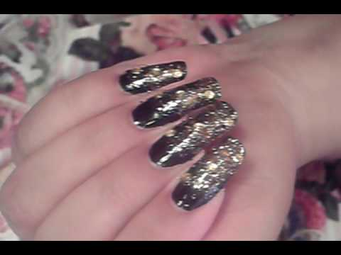Look Fabulous With This Super Easy Ombre Gradient Black Gold Nail Art