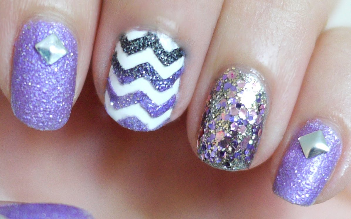 This Fabulous Textured Chevron Nail Art Design Will Leave You ...