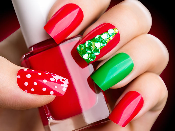 10 Valentine Nail Art Designs That Are Sure To Impress Your Friend